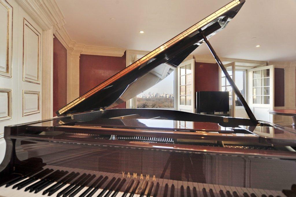 διαμέρισμα του David Bowie - πιάνο